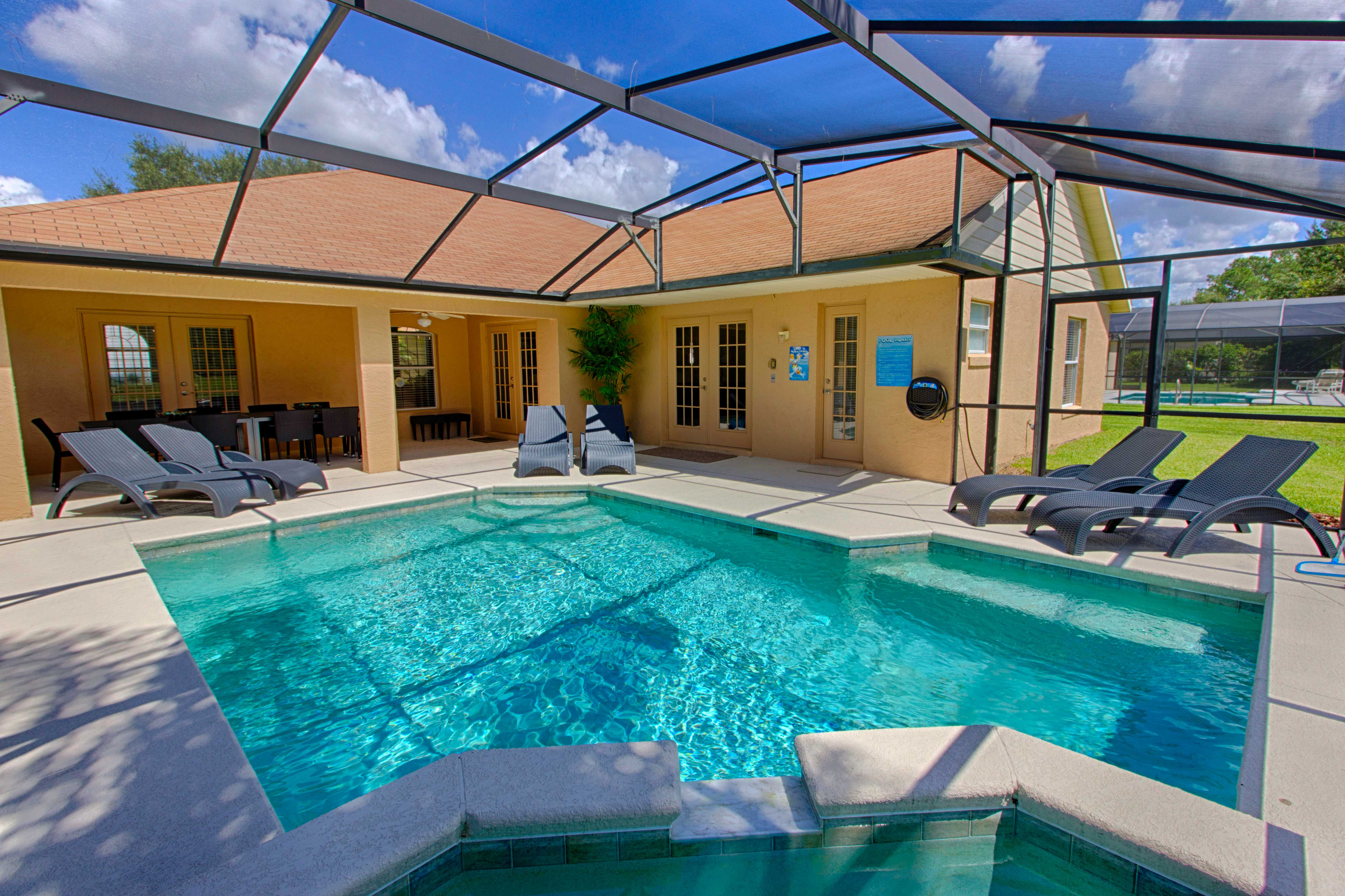 Swimming Pool ⋆ Villa LeVi-Style
